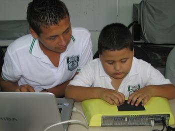 iris_proyecto-Iris-tecnologia-niños-ciegos